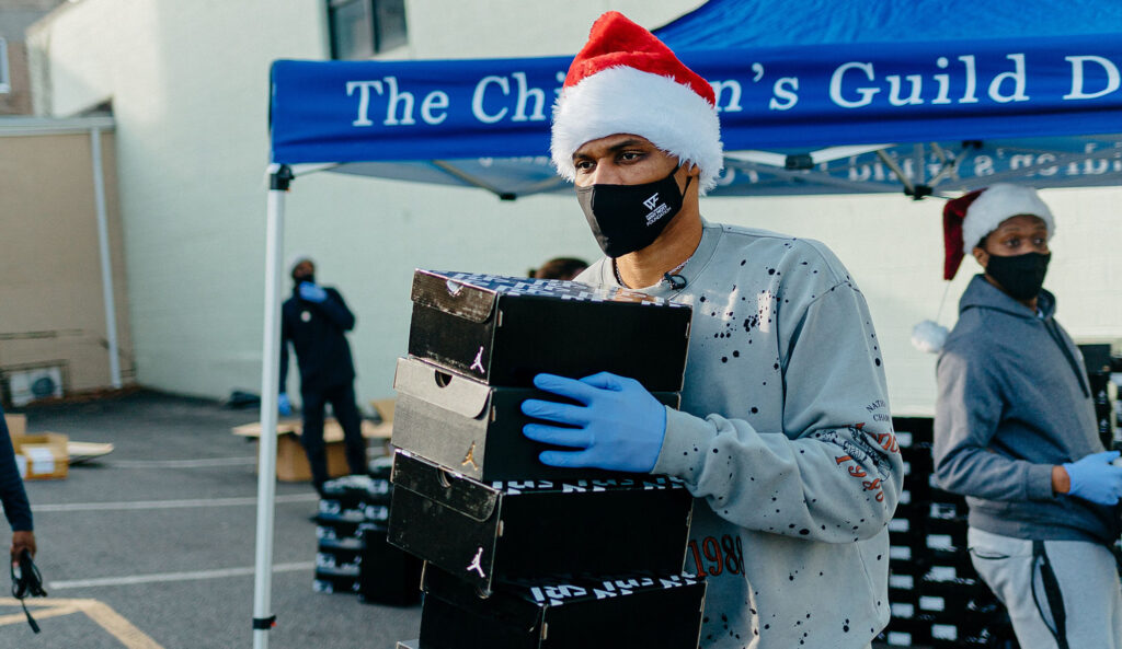 Russell Westbrook gives back to community in D.C. holiday drive